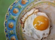 Oeuf au plat sur assiette Giennoise